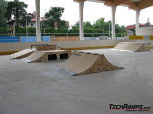 Skatepark w Warszawie, w dzielnicy Wawer - 4