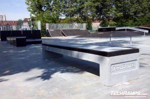 Skatepark w Zgorzelcu ławka