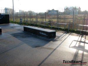 Skatepark Warszawa-Białołęka - grindbox - 1