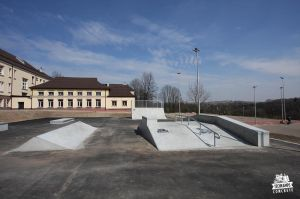 skatepark_light_concrete_slawkowskatepark_light_concrete_slawkow