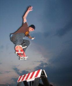 Tomasz Dworzak na Mobilnym skateparku