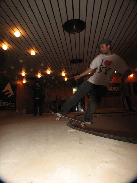 Wiktor Skate Pool