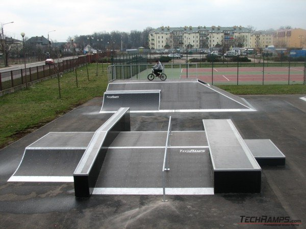 Скејтпарк во Жирардов