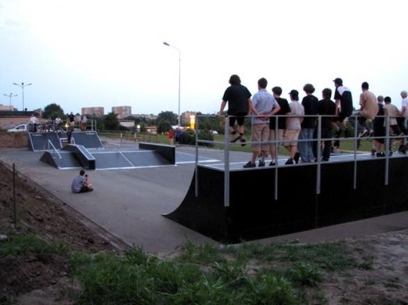 Скејтпарк во Пиотрков Трибуналски