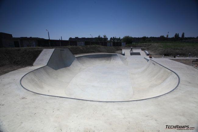 Бетонски скејтпарк во Ополе