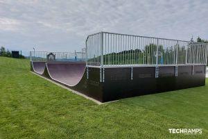 Деревянный скейтпарк